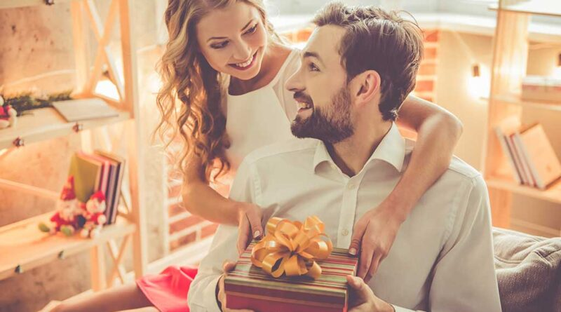9 Gift Ideas To Impress Him On The Forthcoming Diwali
